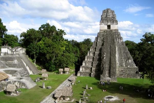 tikal-s-gran-jaguar-piramid-1204994